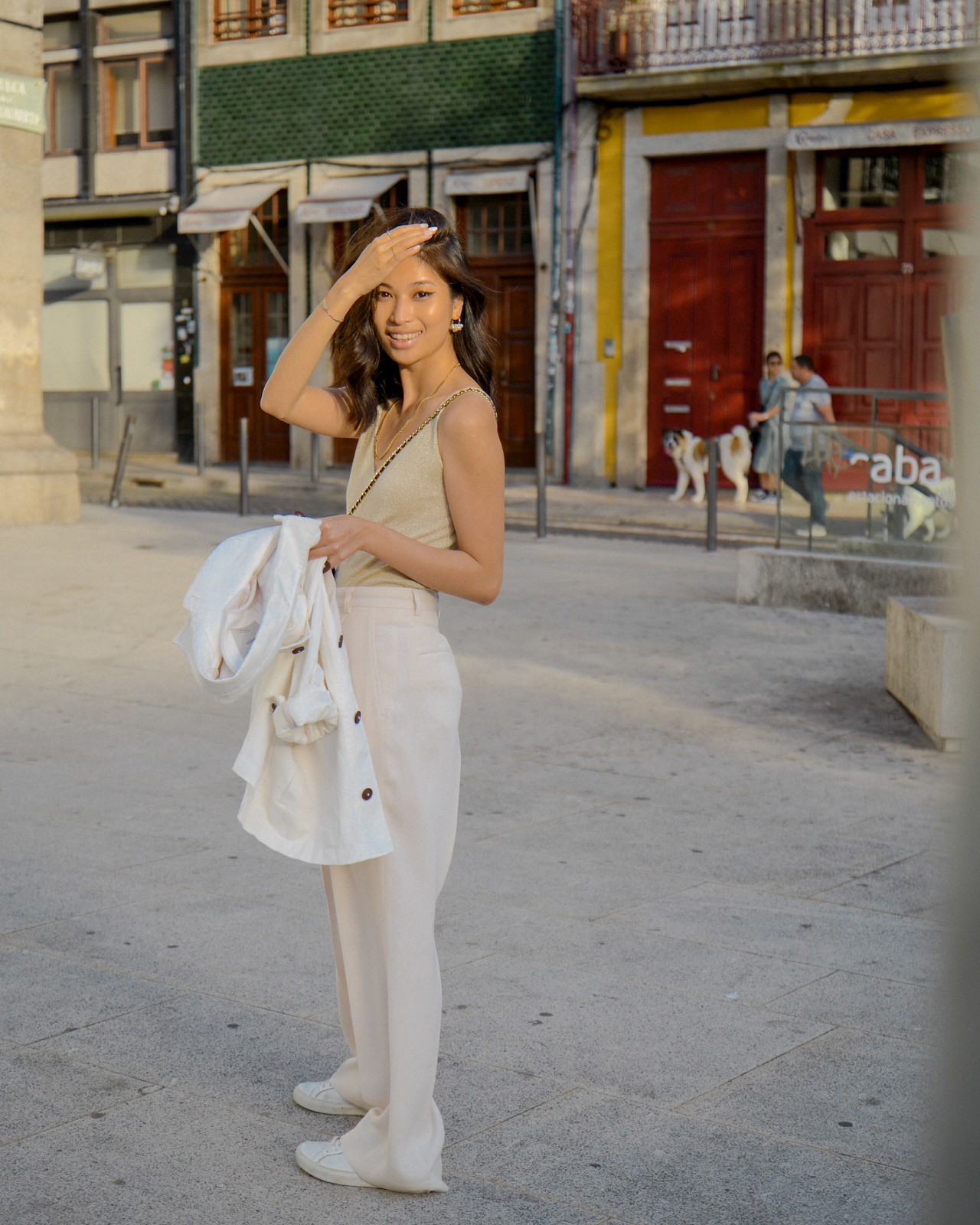 Neutral travel outfit ideas, what to wear to Porto, 2 Days in Porto, Portugal, FOREVERVANNY.com