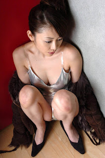 anri sugihara hot topless pics 05