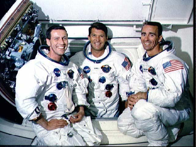 Primii 3 astronauti americani ajunsi in siguranta pe luna