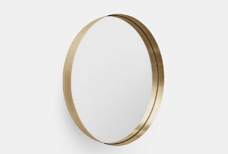 Specchio da parete Darkly wall mirror gold di Menu A/S