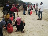 Mapala se-Karesidenan Pati kerja bhakti bersihkan Pantai Bondo