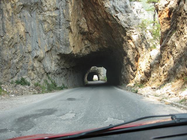 Karadağ'ın yolları
