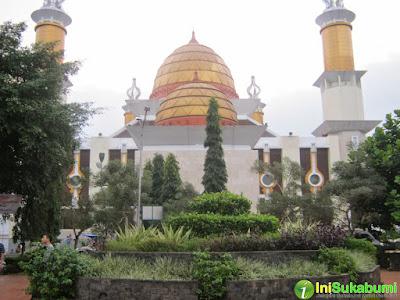Gerakan Shalat Subuh Berjamaah di Masjid