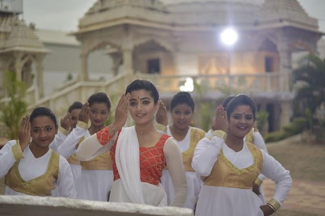 Geeta Chalo Movie Stills