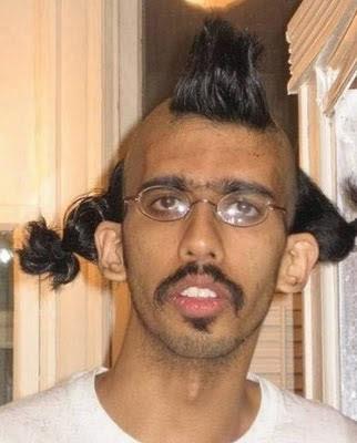 hässliche Menschen mit lustiger Frisur