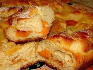 Быстрый пирог с яблоками и абрикосами