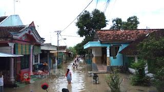 Banjir Mulai Genangi Kelurahan Ledok
