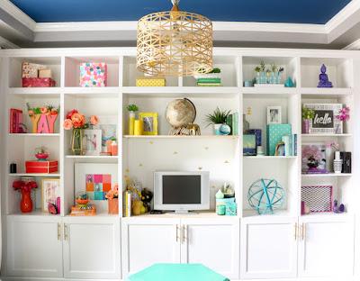 http://www.akailochiclife.com/2016/05/decorate-it-rainbow-shelf-styling.html