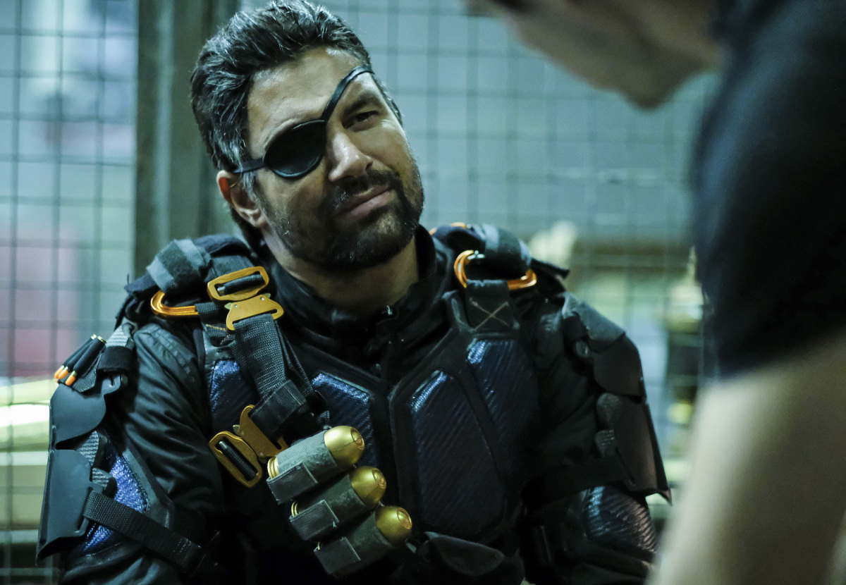 Manu Bennet en Arrow de CW