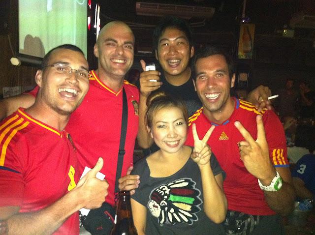 Tailandeses con España