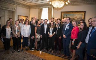 http://freshsnews.blogspot.com/2016/10/25-tsipras-protimo-na-kerdizo-tis-ekloges-para-tis-dimoskopisis.html