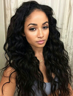 Simple long wavy black hairstyle
