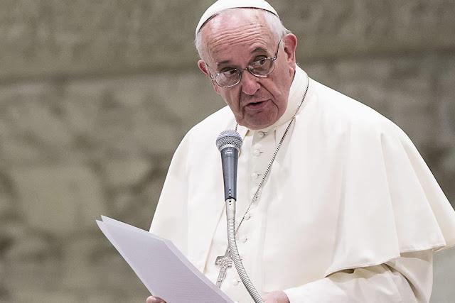 Em desespero, PT agarra-se à batina do Papa Francisco
