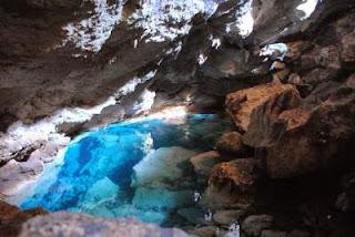 kolam renang alami di Goa Kristal