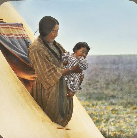 blackfoot women The worth of blackfoot women was largely judged by the number and quality of hides they produced women were also responsible for butchering, curing.