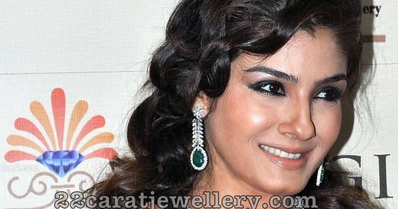Raveena Tandon In Emerald Diamonds Set At Higje
