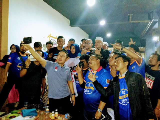 Nobar Relawan Ganti Presiden di Makassar