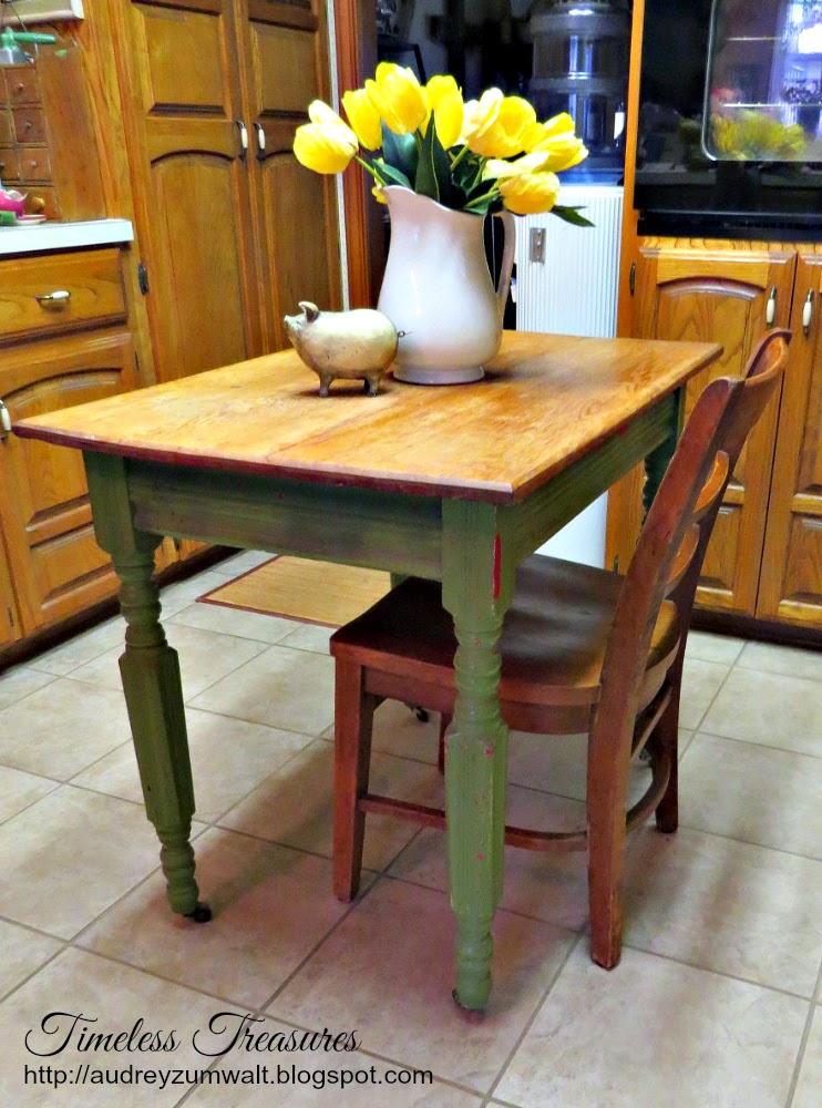 Timeless Treasures: Vintage Farmhouse table in the Kitchen