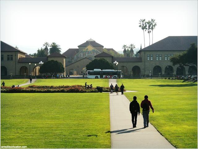 The Oval, Universidad de Stanford