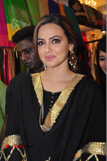 Bollywood Actress Sana Khan Launches Aakrithi Exibition  0109.JPG