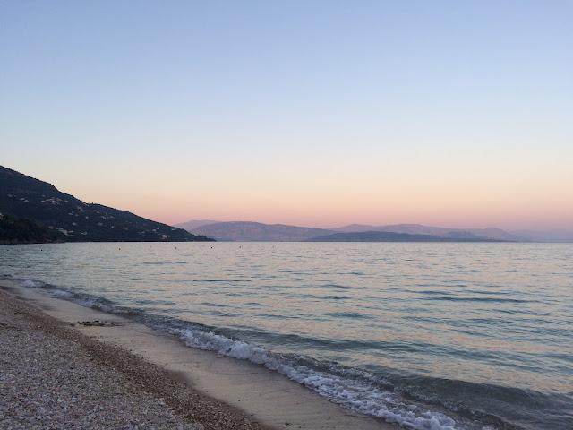 http://viisiaskellajia.blogspot.fi/2017/06/kuvapostaus-kreikasta.html