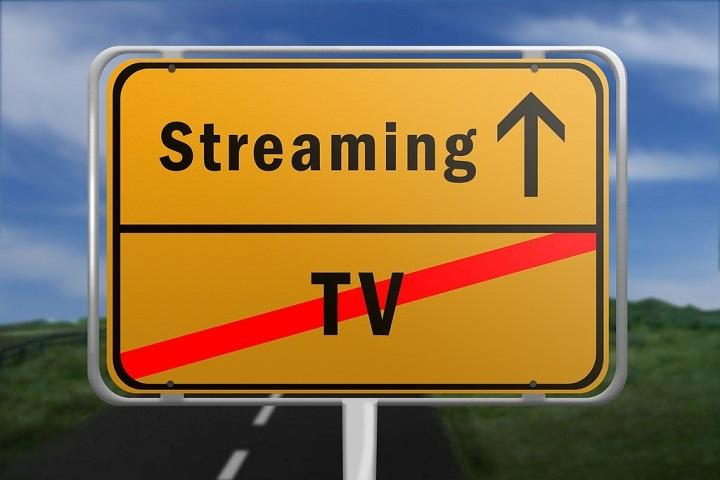 pilih nonton tv atau nonton film?