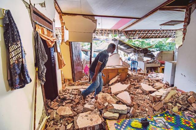 Lombok gempa: dua mayat diterbangkan ke rumah hari ini