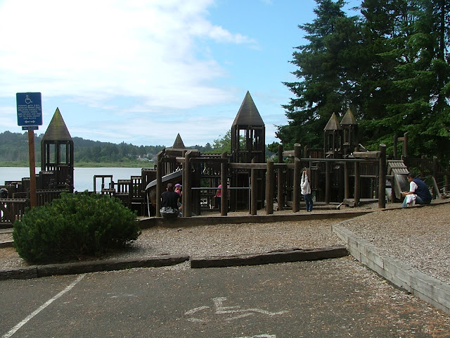 Lincoln City vacation rental cabin Oregon coast