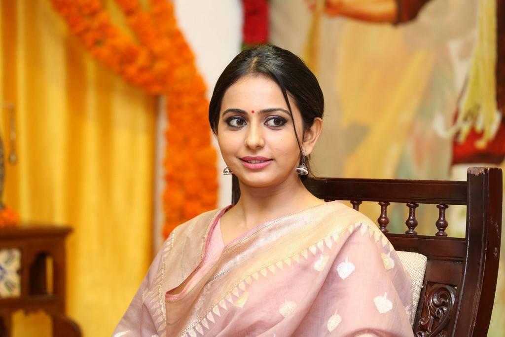 Delhi Beautiful Punjabi Girl Stills In Pink Dress Rakul Preet Singh