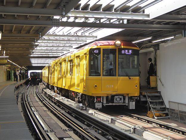 銀座線 浅草行き4 1000系(駅ナンバリング付)
