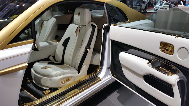 Mansory Rolls Royce cockpit in white-gold