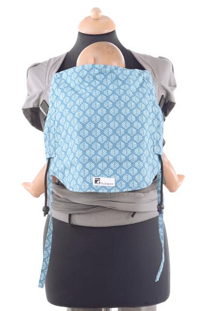 Wrap Tai by Huckepack, wrap conversion, komplett aus Tragetuchstoff, 100% Biobaumwolle, stufenlos mitwachsendes Panel, ergonomisch geformter Hüftgurt, breit auffächerbare Träger.