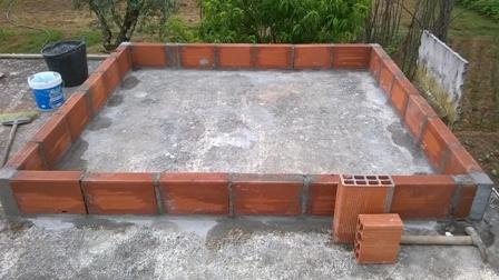 Caixa em tijolo para coletor solar