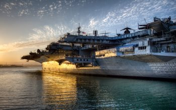 Wallpaper: USS Midway Aircraft Carrier