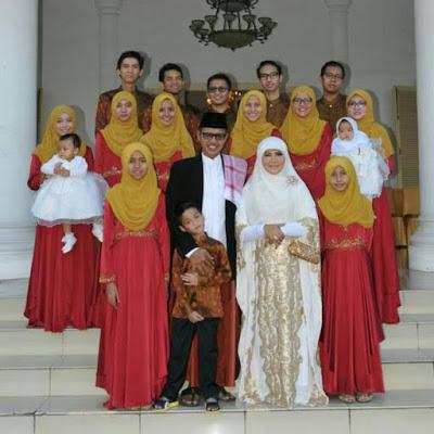 gubernur sumbar beserta keluarga besar