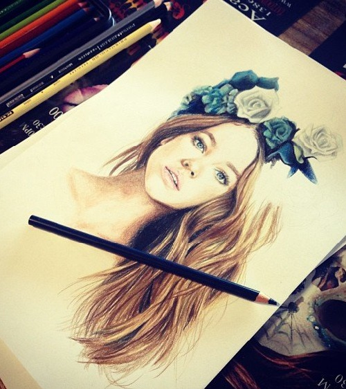 pencil drawing portraits by Elle Wills