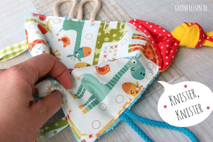 Nähen für die Kleinen | Baby-Knistertuch zum Spielen