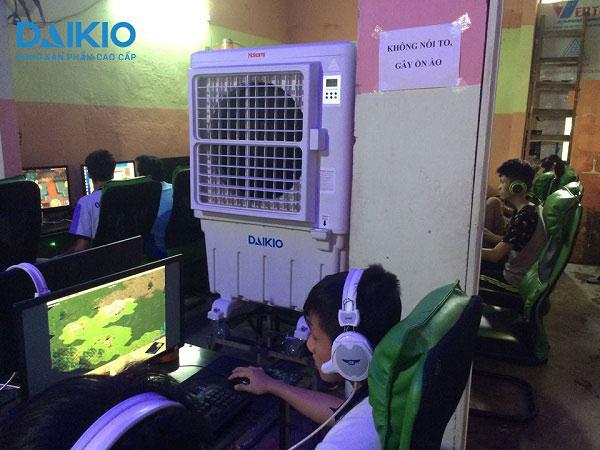 máy làm mát không khí tại quán nét