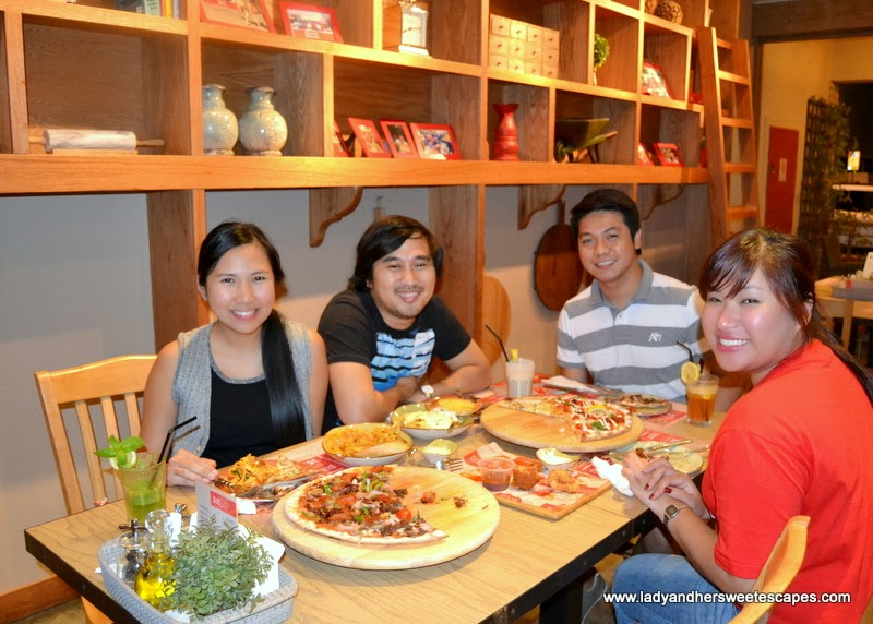 Itzza Feast at Itzza Pizza restaurant