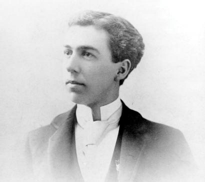 Frank Lloyd Wright biography Essay