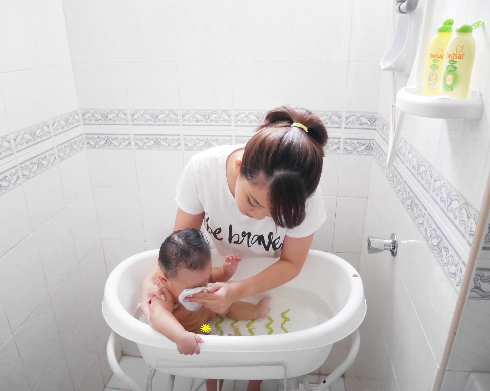 Careentan Com Baby Bath Time With Zwitsal