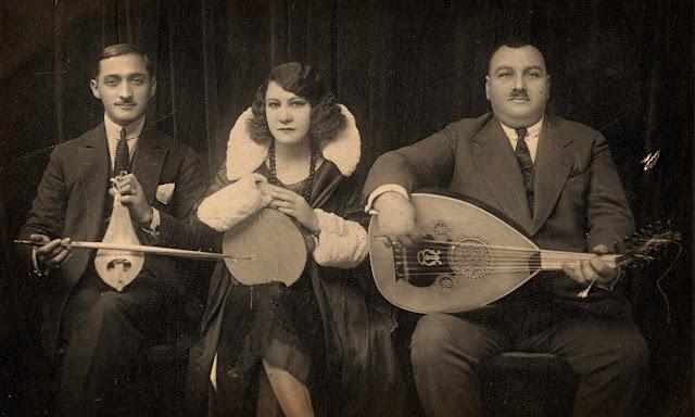 Η Ρόζα Εσκενάζυ μαζί με τον Αγάπιο Τομπούλη / Ιστορία του ρεμπέτικου τραγουδιού