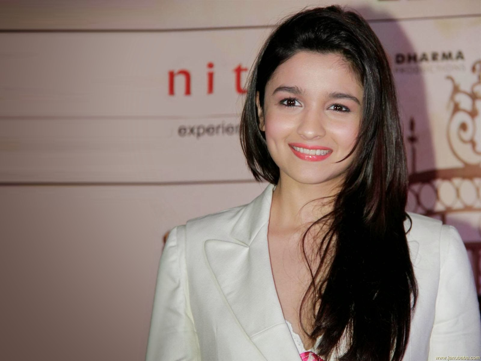 Latest Hd Mobile Wallpapers: Alia Bhatt Hd Wallpaper For