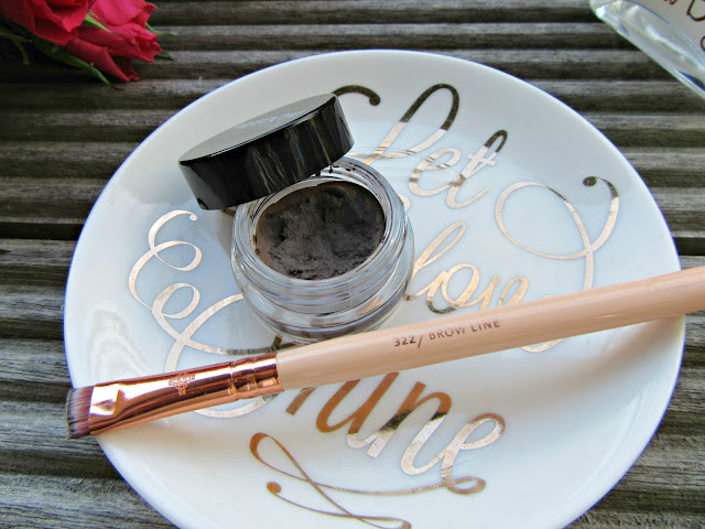 Freedom Brow Pomade Zoeva Brow Line Brush