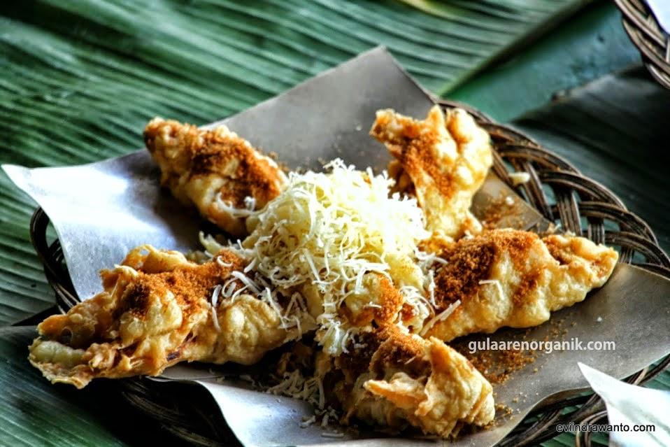 pisang keju brown sugar di floating market lembang bandung