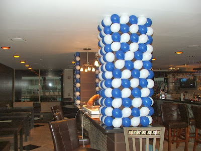 Balloon wall, pillar cover by balloons, balloon column