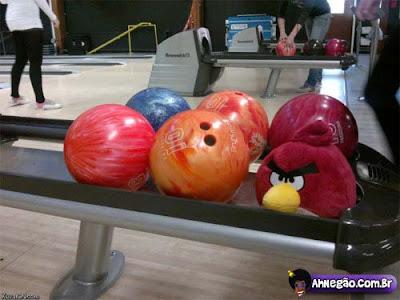 angry Você percebe que está viciado em Angry Birds quando...