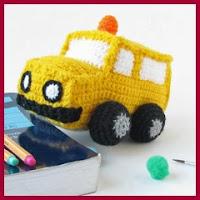Autobús escolar amigurumi