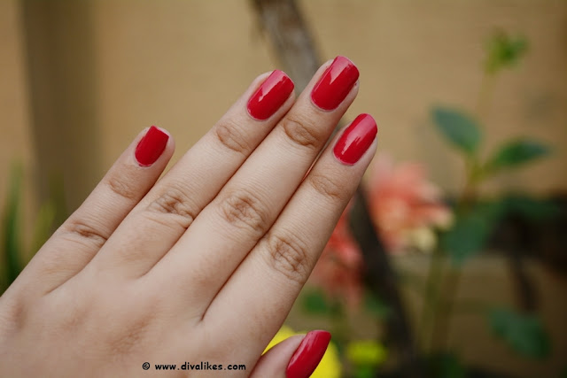 Nykaa Floral Carnival Nail Enamel Hot Pink Poppy Swatch