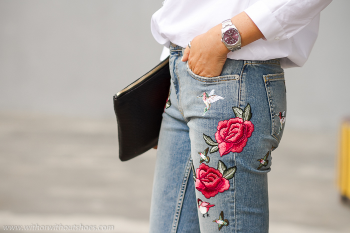 tendencia prendas denim con bordados florales